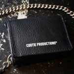 【COOTIE PRODUCTIONS/クーティープロダクション】12/7(金) 発売 Leather Clasp Wallet